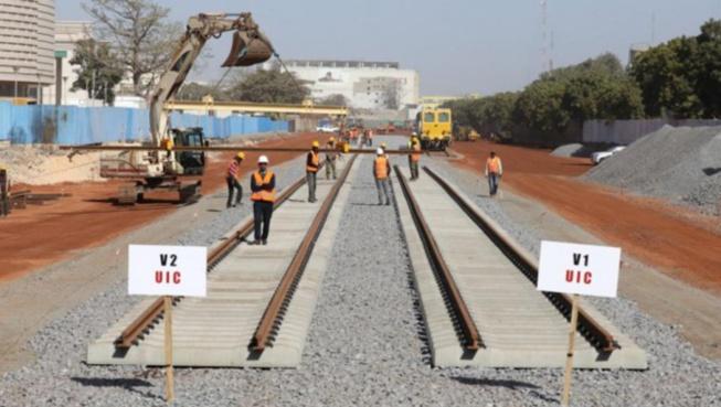 ACCIDENT SUR LES CHANTIERS DU TER A FASS MBAO: Un gros caillou tombe du pont en construction sur la tête d'une femme