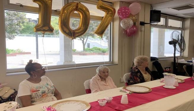 Agée de 107 ans, elle révèle le secret de sa longévité