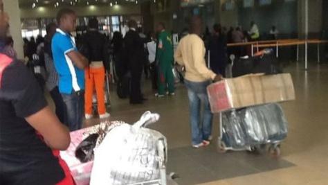 AIBD: Arrivée de trois sénégalais expulsés des Etats-Unis