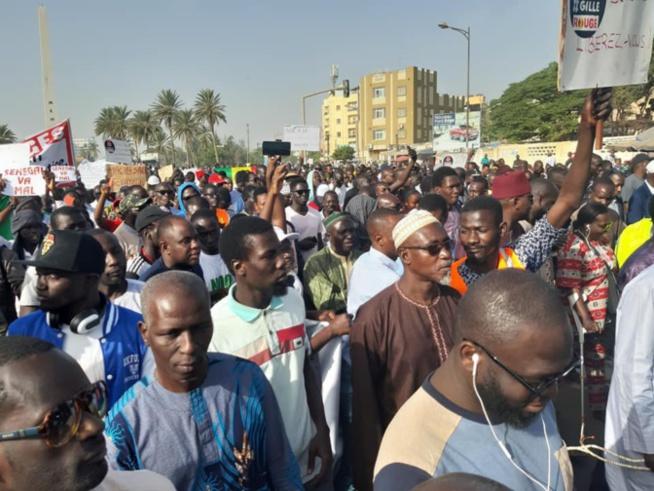 Electricité et Libération de Guy et Cie : les manifestants appellent à ne pas payer la facture de janvier et fixent un ultimatum jusqu'à jeudi…