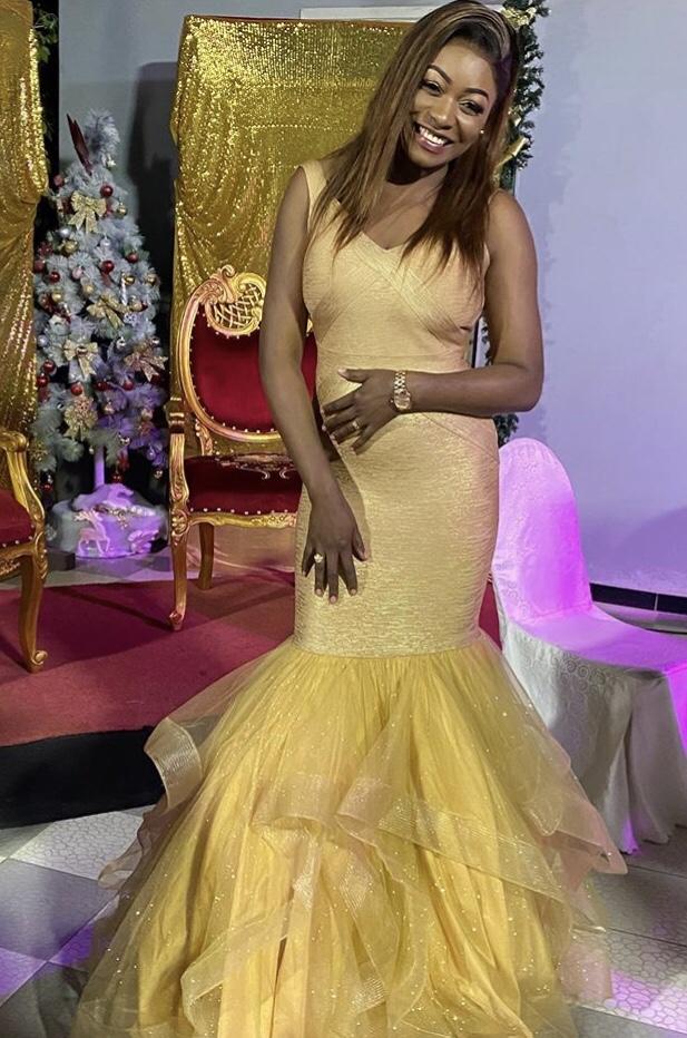 Nouvel An : Bijou Ndiaye apparaît toute rayonnante dans sa robe de sirène