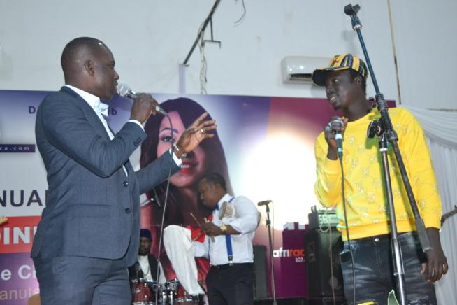VIDÉO: Bakane Seck honoré par madame la maire de Banjul Roky Malick Low ce 1 er Janvier en Gambie.