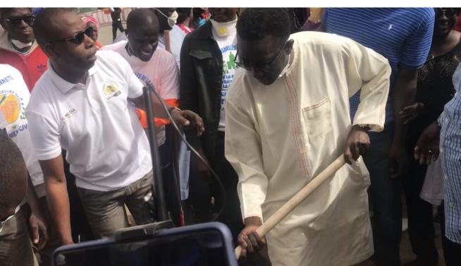 « Cleaning Day » initié par le Président Macky Sall: Le Ministre Amadou Bâ s'y met…