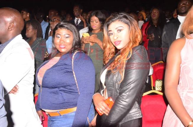 Grand Bal de YOUSSOU NDOUR : Les plus belles filles de DAKAR étaient au rendez-vous. Regardez.