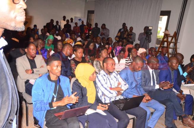 Panel des exposants à la journée des START-UPS avec le Fonds de développement du service universel des télécommunications.