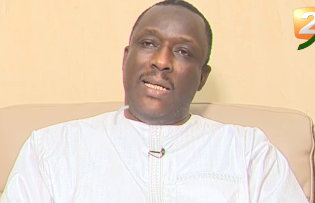 Cheikh Oumar Hanne charge Nafi Ngom Keïta : « C'est elle seule qui détient les informations écrites dans le livre ».