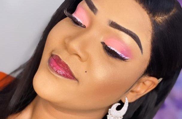 Les nouvelles photos d'Astou Mbaye , rayonnante affiche un Makeup à la perfection