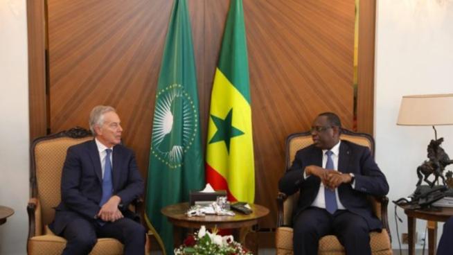 L'ancien Premier ministre britannique reçu par Macky Sall : Que fait Tony Blair au Sénégal ?