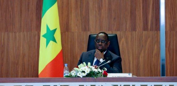 Achat de véhicules au CESE : Grosse colère de Macky contre Aminata Touré