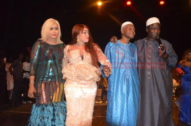 25 ANS DE CARRIERRES: Papa Thione, Waly Seck, Guigui, Ndiollé, Mame Bassine ont chauffé la scène de sorano avec Oumou Sow.