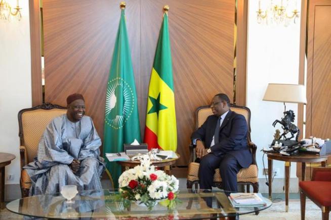 Photos en live au Palais de la République: Macky Sall reçoit ses frères