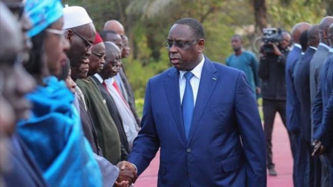 « Un ministre du gouvernement de Macky en Contact Avec un cas positif » Walf lâche une bombe sur le palais