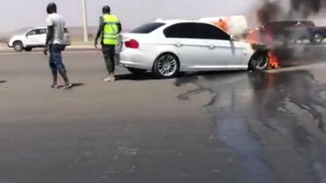 Autoroute à péage: une voiture de marque bmw prend feu à la gare de péage de …