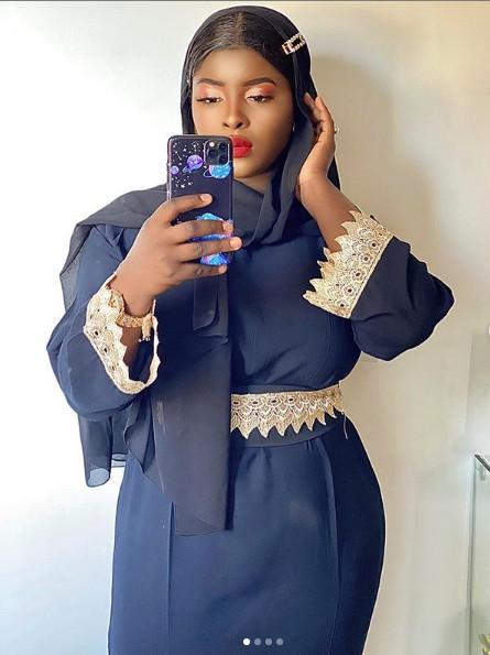 Mode Korité: Abiba illumine la toile avec ses Sagnsé