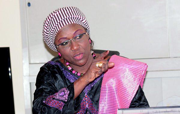 Manifestions contre le couvre-feu, l'échec de la reprise des cours : Amsatou Sow Sidibé fait feu de tout bois