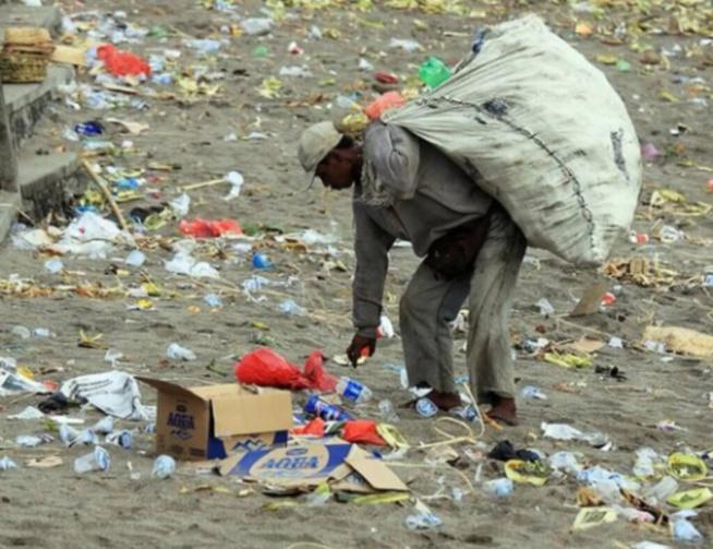 L'Unacois/Yessal réclame à l'Etat ses 156 conteneurs et ses 40 tonnes de sachets plastiques