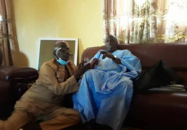 Lutte contre la Covid-19: Le Ministre de la Santé, Abdoulaye Diouf bénéficie d'un soutien indéfectible du Khalife général des Tidianes