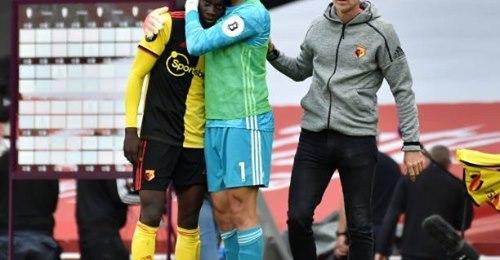 Premier League – Ismaila Sarr inconsolable après la relégation de son club