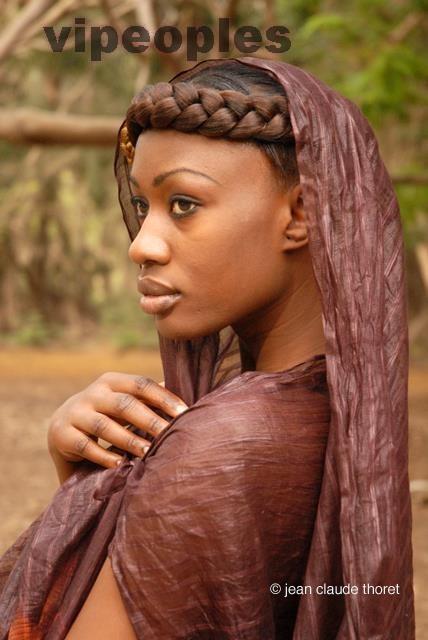 Fatoufine Niang, toute naturelle, toute africaine!!