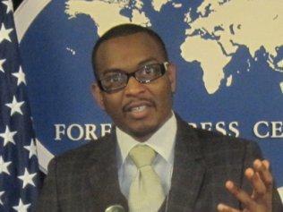 Baba Aïdara; Baba Aidara parle de Jules Diop et de Latif Coulibaly - Il était l'invité du jour du journal freedomnewsradio basé à la Caroline du Nord ( USA ).
