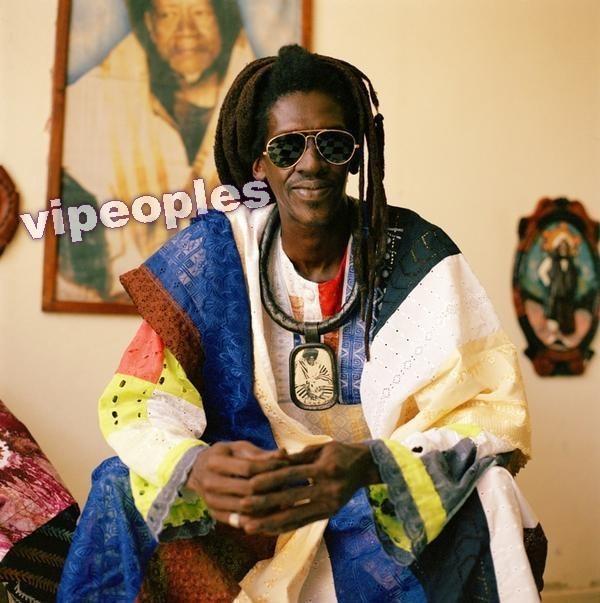 Cheikh Lô conseille à Youssou Ndour de quitter le gouvernement pour la musique