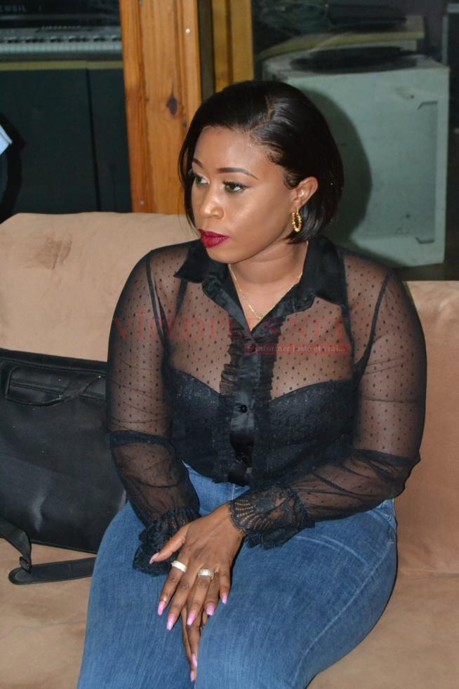 En images , Aida Sambe en mode décontractée dévoile ses Rondeurs
