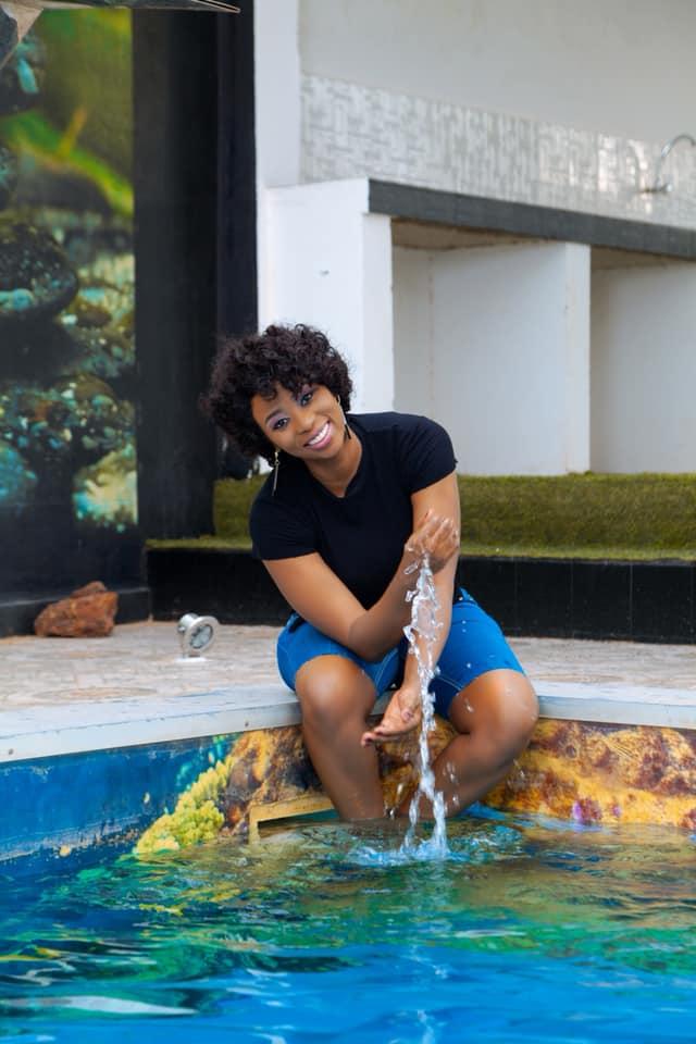 Spectacles et concerts annulés : Adiouza profite bien de ses vacances forcées
