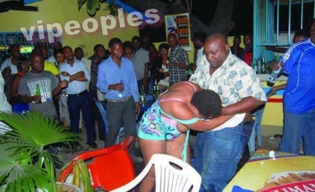 Au Burkina Faso, les mariés reglent leur compte en public!