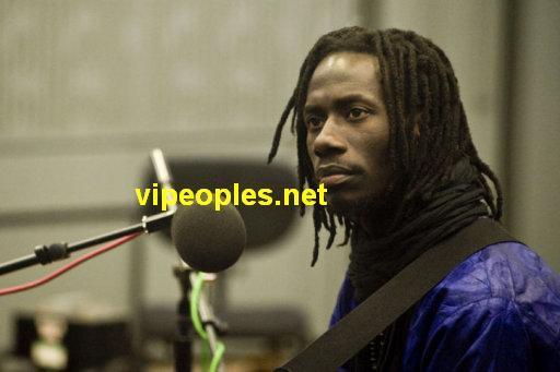 Carlou D annoncé pour mort par une radio communautaire : Le chanteur... dément sur la Rfm