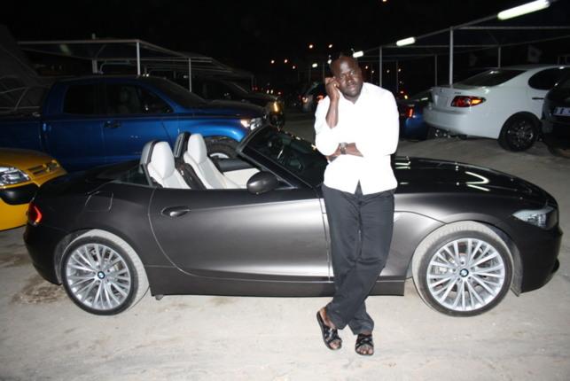 Daouda Mbow : Un laveur de voiture devenu milliardaire par la force du travail