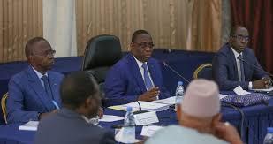 Le succès discret de COVID au Sénégal : Résultats des tests en 24 heures, vérification de la température dans chaque magasin, pas de bagarres pour les masques