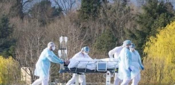Covid-19: Plus de 900 000 morts dans le monde