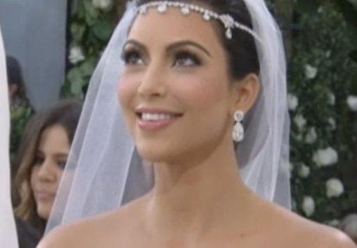 Kim Kardashian : La starlette garde le diamant offert par son ex