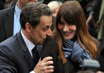 """Carla Bruni : """"Nicolas Sarkozy a dévoré le petit garçon qui était en moi"""""""