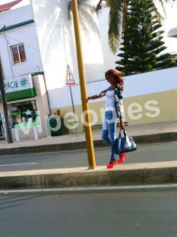 Khady Ndiaye Bijou dans les rues de Dakar