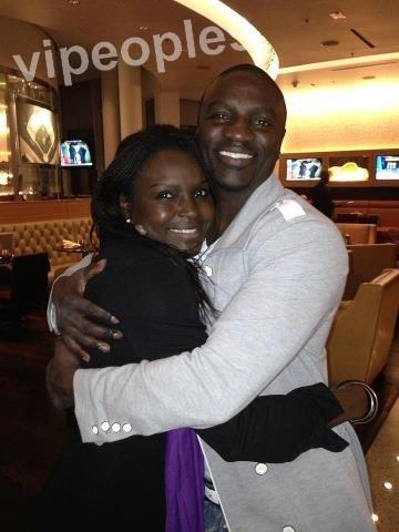 Akon et sa soeur
