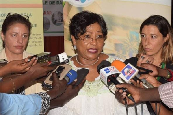 Visite dans les zones inondées de la ville de Dakar :Soham El Wardini choquée par la misère des sinistrés