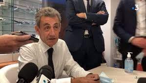 """""""Singes"""" et """"nègres"""" : Sarkozy réagit aux accusations de racisme après son passage dans Quotidien"""