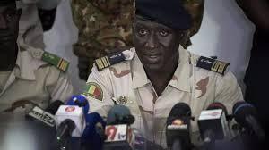 Mali: la junte se dit favorable à une transition menée par un militaire