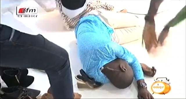 Quand Pape Cheikh Diallo s'évanoui sur le plateau Yeew Leen