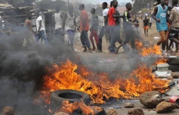 Requête de report de la date des examens du BTS : Les étudiants du Privé investissent la rue, brûlent des pneus…