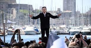 Mélenchon tance le gouvernement après la fermeture des bars et des restaurants à Marseille