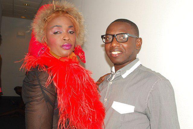 Mais quel genre de mannequin pose avec Bamba? Homme ou femme?