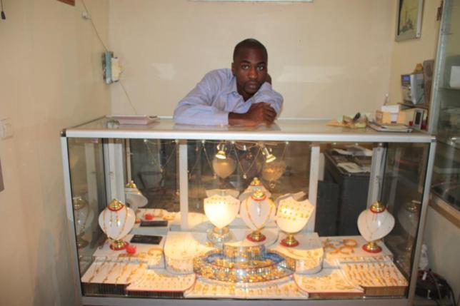 L'admin de page Senegal ouvre une nouvelle boutique de bijoux!
