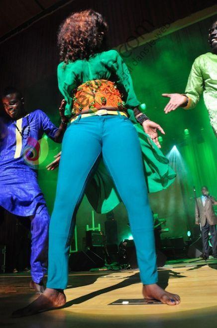 Photos - Ndeye Gueye en action : Quand la mini-jupe est moins gênante que le pantalon...