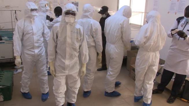Arriérés de salaires: les médecins, infirmiers et hygiénistes menacent de quitter les centres des traitement Covid-19