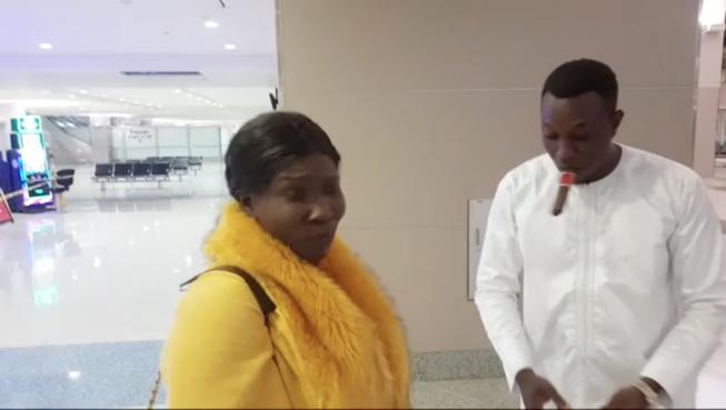 Mo Gate arrose Ndiole Tall de 1500  dollars à l 'aéroport de Las Vegas avec Gomis a Las vegas fashion week.