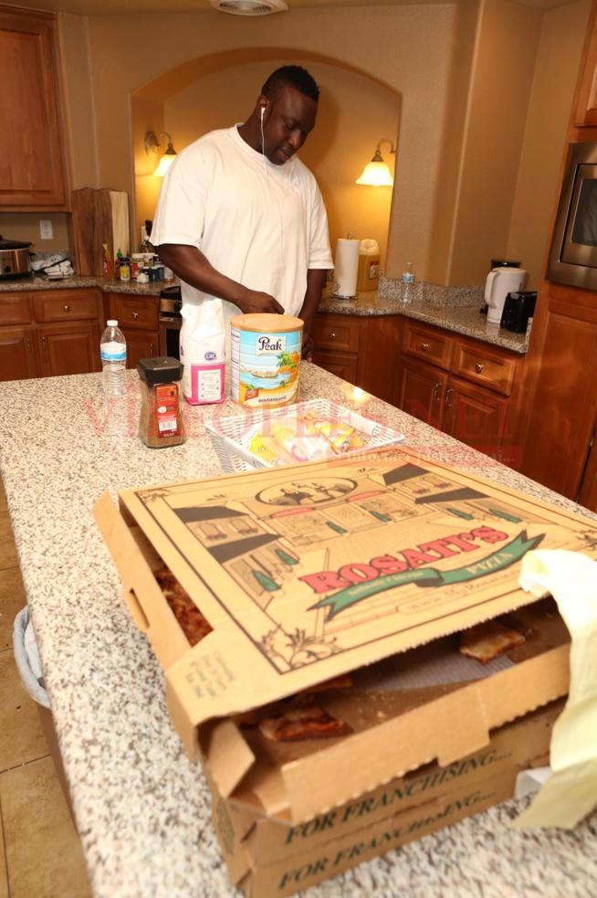 Les images du triple petit déjeuner de Gouye Gui à Las Vegas, Reug Reug a de quoi avoir peur.