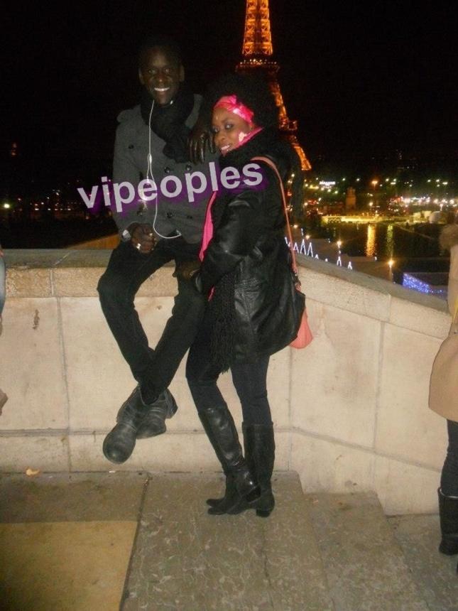 Souleymane Julo Pro et sa copine prennent du bon temps à la tour Eiffel