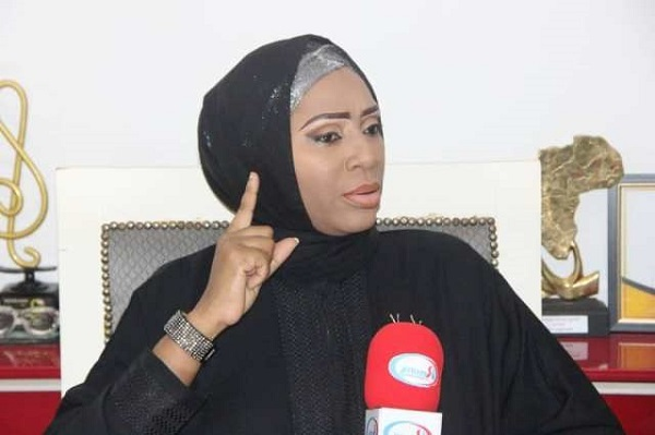 Présumées bisbilles entre Youssour Ndour et Macky Sall: Ngoné Ndour dément, dénonce un «complot» et annonce une plainte